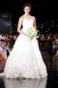 Aquí está todo para su boda | Aquí está todo para su boda | El Universal - Cartagena One Shoulder Wedding Dress, Wedding Dresses, Fashion, Cartagena, Innovative Products, Bridal Gowns, Trends, Bride Dresses, Moda