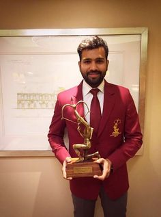 Rohit Sharma conferred with Arjuna Award! Cricket Score, Live Cricket, Cricket Match, Mumbai Indians Ipl, Cricket Wallpapers, Match Score, Ab De Villiers, Champions Trophy, Latest Cricket News