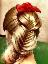 "I love how this fishtail is stretched unevenly to look like the braid is layered, or ""scalloped"""