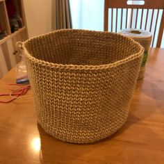 巾着バッグ。 - まいにち、てしごと。 Laundry Basket, Jute, Wicker, Knit Crochet, Tote Bag, My Favorite Things, Knitting, Crafts, Decor