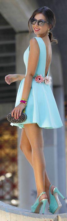 Light Blue V-back Flared Little Dress by 1sillaparamibolso