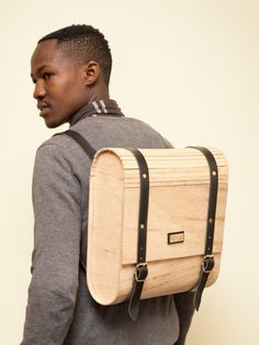 Umtwalo Wooden Backpack by Inga Gubeka. African Accessories, Bag Accessories, Crea Cuir, Sac Week End, Wooden Bag, Sacs Design, Messenger Bag Men, Mode Style, Design Crafts
