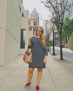 Gap dress, Longchamp Le Pliage tote, Rothy's, styling a silk scarf Classic Outfits, Classic Style, Gap Dress, Shirt Dress, Museum Outfit, Preppy Style, Longchamp, Cotton Dresses, Silk