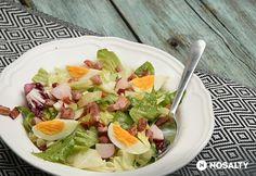 Sonkás-tojásos zöldsaláta tormaöntettel
