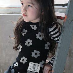 77e031673f8d7 Green Tomato 花柄ボーダーロングTシャツ (ブラック) - 韓国子供服 通販