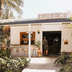 Anyone else keen to sit under the palm trees and drink smoothies all day long? Small Restaurant Design, Restaurant Logo, Restaurant Interiors, Restaurant Ideas, Exterior Design, Interior And Exterior, Cafe Interior, Beach Cafe, Australia Travel