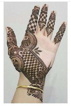 Engagement Mehndi Design 2019 Mehndi henna designs are always searchable by Pakistani women and girls. Women, girls and also kids apply henna on their hands, feet and also on neck to look more gorgeous and traditional. Henna Hand Designs, Mehndi Designs Finger, All Mehndi Design, Mehndi Designs For Girls, Mehndi Designs For Beginners, Modern Mehndi Designs, Mehndi Designs For Fingers, Wedding Mehndi Designs, Mehndi Design Pictures