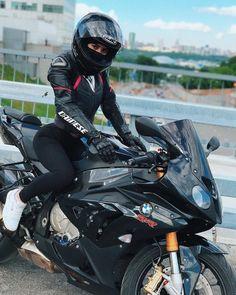 New bmw motorcycle woman motorbikes 41 Ideas Bmw S1000rr, Motorbike Girl, Motorcycle Bike, Lady Biker, Biker Girl, Motard Sexy, Bmw Sport, Biker Chick, Super Bikes