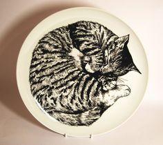 Hand illustrated sleeping cat plate £45.00