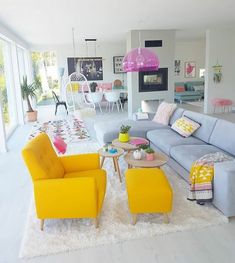 Home Trendy Vintage Interior Design Living Room Yellow Chairs Breat Vintage Interior Design, Interior Design Living Room, Living Room Designs, Room Interior, Living Room Bedroom, Living Room Decor, Colourful Living Room, Living Room Yellow, Bohemian Style Bedrooms