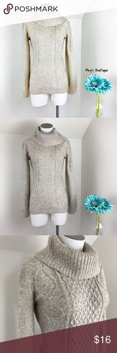 ⭐️Elegant Cream & Tan Faded Glory Knitted Sweater ⭐️Elegant Cream & Tan Faded Glory Knitted Sweater⭐️ Size Small. Excellent Condition! Perfect for cool weather. Long sleeve. Next day shipping. All sales are final Faded Glory Sweaters Cowl & Turtlenecks