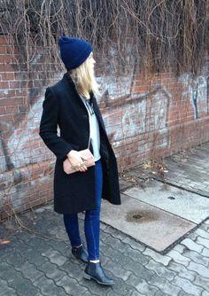 coat: we / jeans: zara / bag: marc by marc jacobs  Source: hautenbas