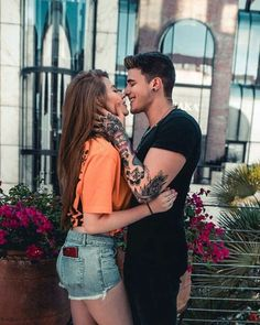 Image about girl in Love ❤ by Trang Lê on We Heart It Couple Pic Hd, Cute Couple Images, Love Couple Photo, Couples Images, Couple Posing, Cute Couples, Couple Photos, Romantic Couples Photography, Couple Photography
