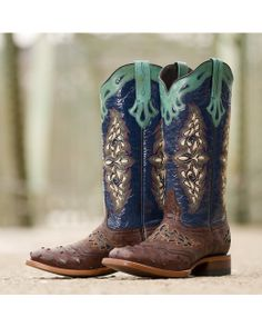 Lucchese Women's Sienna Spyker Calf Boot  http://www.countryoutfitter.com/products/39976-womens-sienna-full-quill-ostrich-navy-spyker-calf-boot