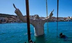 8-Metre Jesus Christ Statue Sunk in the Sea for Underwater Stations of the Cross in Croatia