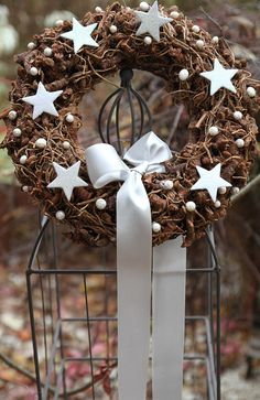 Věnce a věnecky - Album uživatelky kamisanda Christmas Advent Wreath, Xmas Wreaths, Xmas Tree, Christmas Holidays, Christmas Crafts, Xmas Decorations, Flower Decorations, Christmas Templates, Outdoor Christmas