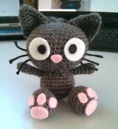 FREE Crochet kitty (Amigurumi) pattern by Cha Chou Gato Crochet, Crochet Diy, Crochet Wool, Crochet Amigurumi Free Patterns, Crochet Quilt, Crochet Crafts, Crochet Projects, Ravelry Crochet, Confection Au Crochet