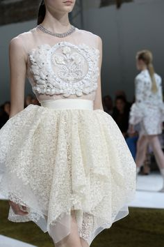"""runway-report: """" Details at Giambattista Valli Couture Fall 2016 """""""