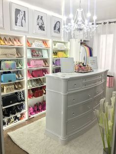 Glam Closet Makeover Dressing Rooms 47 Ideas For 2019 Glam Closet, Closet Vanity, Modern Closet, Vanity Room, Dressing Room Decor, Dressing Room Closet, Dressing Room Design, Dressing Rooms, Spare Room Closet