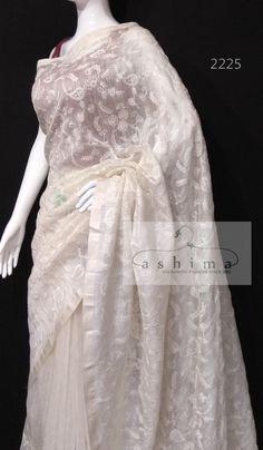 Indian Sarees, Silk Sarees, Buy Fabric Online, Saree Photoshoot, Saree Trends, Elegant Saree, Saree Collection, Indian Wear, Indian Fashion