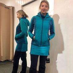 Rauf auf den Berg in Salomon🌄 Snowboards, Den, Winter Jackets, Fashion, Snow Boots, Long Distance, Tennis Players, Renting, Runing Shoes