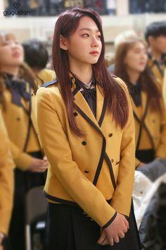 Kang Mina graduated Girls Uniforms, School Uniforms, Sopa School, Korean Girl, Asian Girl, Ioi, Girl Group, Dress Skirt, Boyfriend