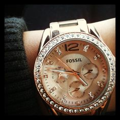 Fossil watch--my all time favorite way to tell what time it is & definitely the only brand of watch i'll ever wear!  Love this style!