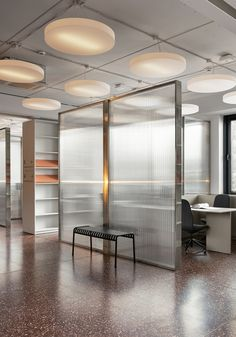 Materials brands are starting to use their spaces to not just propose what they can do, but to prove - News - Frameweb Warehouse Office Space, Cool Office Space, Office Space Design, Office Spaces, Corporate Interior Design, Corporate Interiors, Office Interiors, Terrazzo Flooring, Bedroom Murals