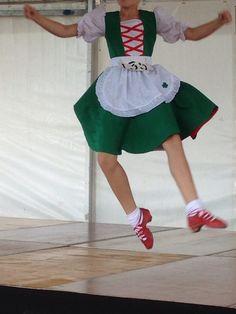 Scottish Highland Dance, Scottish Highlands, Irish Jig, Country Dance, Dance Stuff, Dance Outfits, Dance Costumes, Sewing Ideas, Cheer Skirts