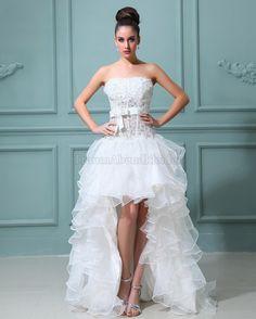 ärmelloses romantisches Brautkleid mit Bordüre mit Schmetterlingsknoten