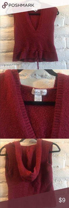 Sleeveless sweater Soft hooded and sleeveless sweater Sweaters V-Necks