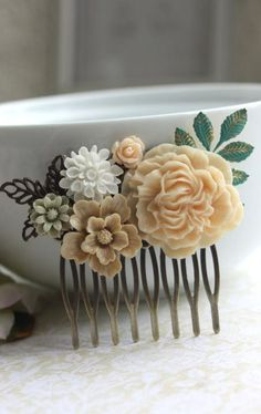 vintage inspired hair comb. gorgeous!