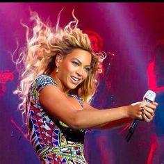 Beyoncé  Mrs Carter Show World Tour  O2 Arena London March  2014