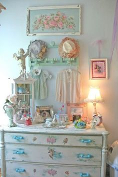 shabby chic girls room | Pinned by Wendy Marshall
