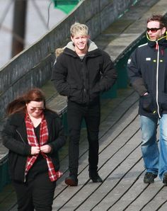 Niall shooting a video in Clevedon! :) 3.24.14 HIS SMILE