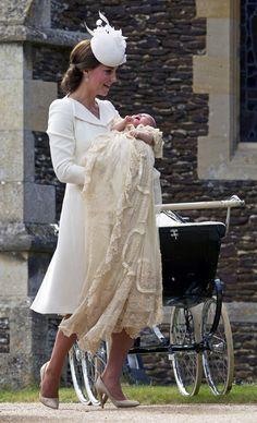 Alexander Mcqueen Kleider, Princesa Charlotte, Estilo Kate Middleton, Kate Middleton Photos, Pippa Middleton, George Of Cambridge, Duchess Of Cambridge, Duchesse Kate, Royals