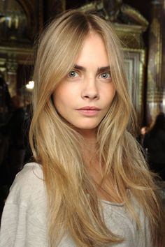 Blonde Hair Natural Makeup, Dark Blonde Hair Color, Cool Hair Color, Cara Delevingne Haar, Cara Delevingne Photoshoot, Hair Inspo, Hair Inspiration, Long Hair Highlights, Cara Delvingne