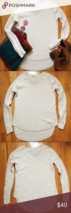 Madewell Chronicle Texture Pullover Sweater Lightweight but oh so cozy! Gorgeous textured knit long-sleeve sweater with extra long shirttail. 62% cotton, 20% viscose, 18% nylon. In excellent used condition. Selling on Poshmark only (no trades). Madewell Sweaters Crew & Scoop Necks