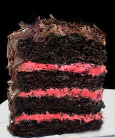 One-Bowl Rustic Chocolate Raspberry Almond Valentine's Cake. Fudgy, chocolate one-bowl cake with fresh raspberry buttercream and chocolate ganache! Dark Chocolate Cakes, Chocolate Recipes, Chocolate Frosting, Homemade Chocolate, Just Desserts, Delicious Desserts, Raspberry Buttercream, Raspberry Cake, Buttercream Frosting