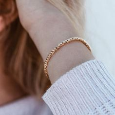 Check out our gorgeous bracelets for women! Fall in love with our gold bangles, charm bracelets, statement cuffs or classy chain bracelets! Gold Bangles, Gold Earrings, Unique Bracelets, Chain Bracelets, Gold Dipped, Gold Material, Gold Chains, Fine Jewelry, Jewellery