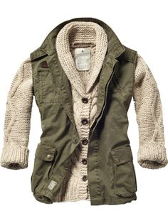Sleeveless military jacket with cable knitted cardigan