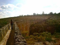 Acueducto del bioparque El Saucillo, uno de los más grandes y antiguos de América