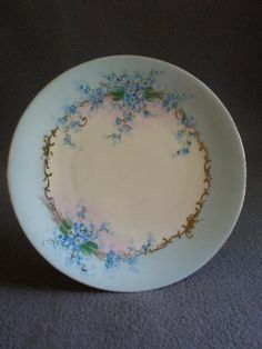 """Luken Studio Hand Painted """"Forget-Me-Not"""" Pattern Cabinet Plate"""