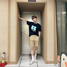 Nct 127, Nct Johnny, Jeno Nct, Jung Yoon, Valentines For Boys, Jung Jaehyun, Jaehyun Nct, Kpop Outfits, Boyish Outfits