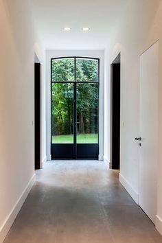 Window/doors as alt to mullion style Interior Windows, Home Interior, Interior Design, Steel Doors And Windows, Hallway Inspiration, Hallway Ideas, Property Design, White Rooms, Classic House