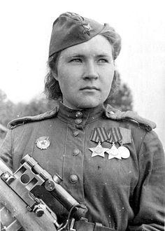 Lyubov Makarova Lyubov Makarova mató a 84 fascistas. Después de finalizar la guerra, regresó a Perm, su ciudad natal.