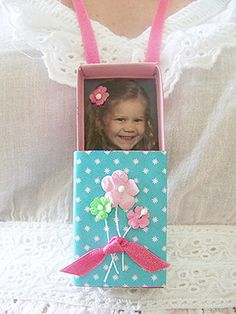 Matchbox Locket  Found my mother's day gift that my students can make for their moms!