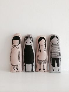 Nacked Lunge seriously cute and pretty modernist screen printed scandi style people plushie toys love these usual suspects Softies, Plushies, Sewing Crafts, Sewing Projects, Soft Dolls, Soft Sculpture, Fabric Dolls, Diy Toys, Handmade Toys