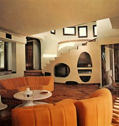 Here are some doable living room decor and interior design tips that will make your home cozy and comfortable for family and friends. 80s Interior Design, Mid-century Interior, Interior Modern, Interior Architecture, Modern Furniture, 70s Furniture, 1970s Architecture, 1980s Interior, Industrial Design Furniture