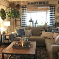 Farmhouse Style Design : Cozy Inspiring Ideas To Decorate Your Living Room Part 60
